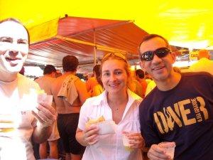 "Pastel e ""cadicana"" na feira na Glória"