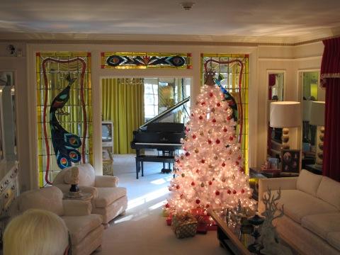 Sala de estar, logo na entrada da casa.