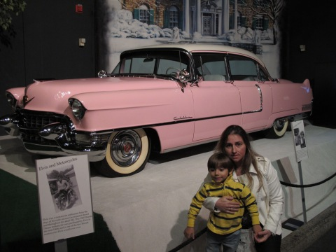 E o famoso cadilac cor de rosa...